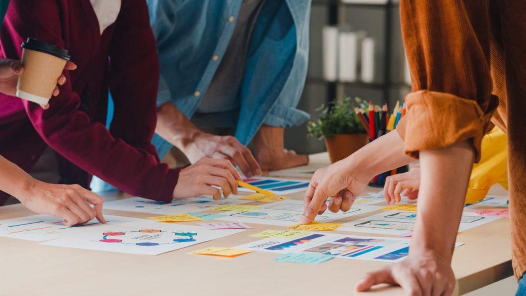 Construcción de comunidades profesionales de aprendizaje para la transformación educativa
